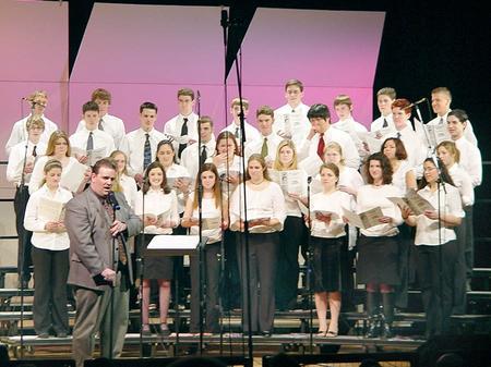 Choir-PAC-07FEB04-900.jpg