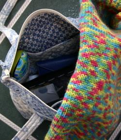Bag_and_knitting