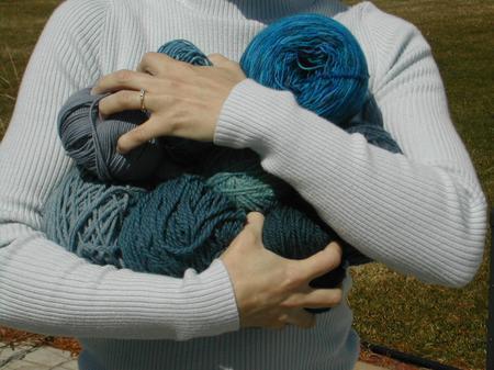 squeezing_balls_blue.jpg
